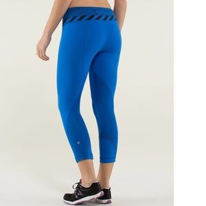 Lululemon Run: Inspire Crop II Baroque Blue